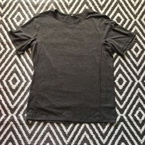Men's Lululemon Shirt. Size Large.